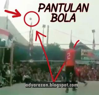 perhatikan pantulan bola voli saat digunakan