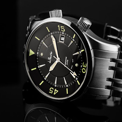 du Maurier Commodore watch