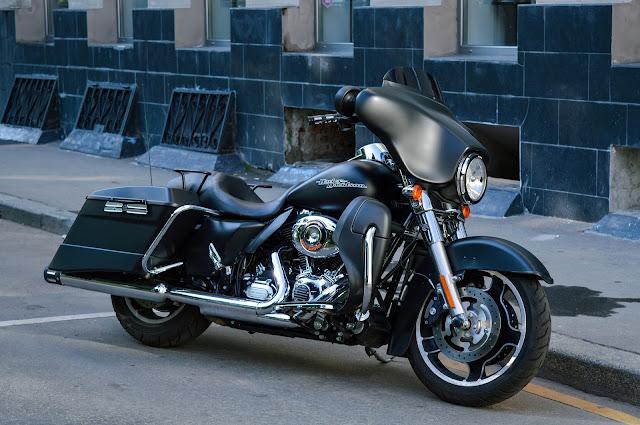 Harley Davidson Bike on road pic