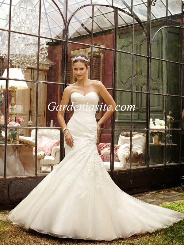 http://www.gardeniasite.com/mermaid-trumpet-sweetheart-chapel-train-appliques-shiny-crystals-tulle-wedding-dress-2014-p-17426.html