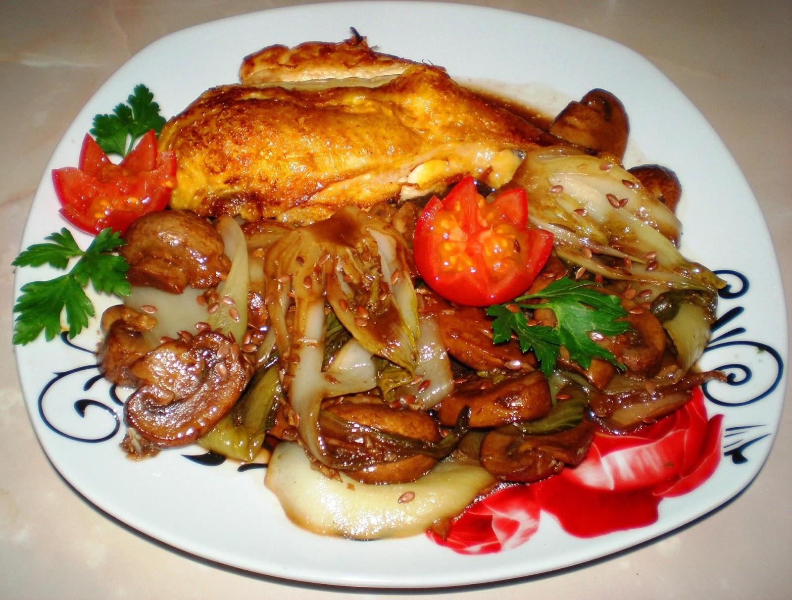 Piept de pui, ciupercuțe cu Pak Choi, usturoi și oțet balsamic