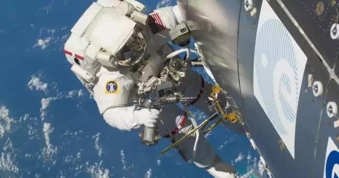 Η Μόσχα απειλεί να αφήσει τους Αμερικανούς αστροναύτες στον ISS εάν υπάρξουν νέες κυρώσεις!