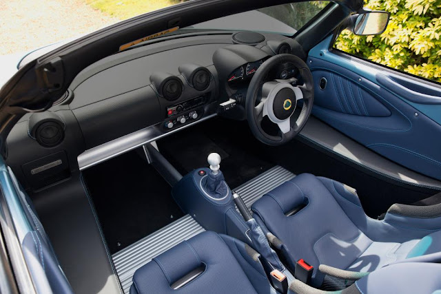 lotus Elise 250 Limited & Special Edition front interior dashboard