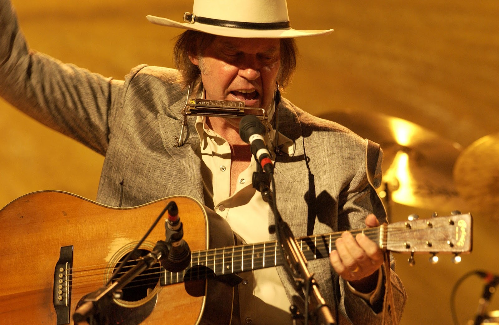 BB Chronicles: Neil Young - 2005-08-18 - Nashville, TN ...