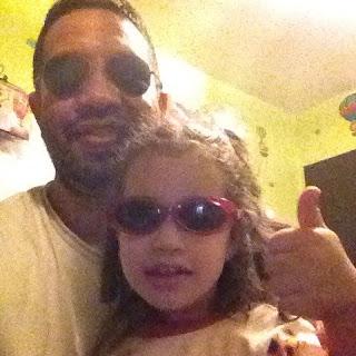 Sophia y yo posando co lentes de sol
