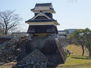 熊本地震後の熊本城の戌亥櫓