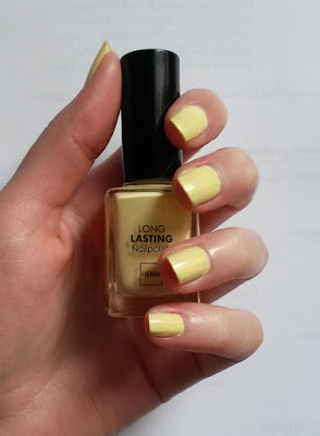Vernis Long Lasting Nailpolish HEMA Swatch pastel yellow 443