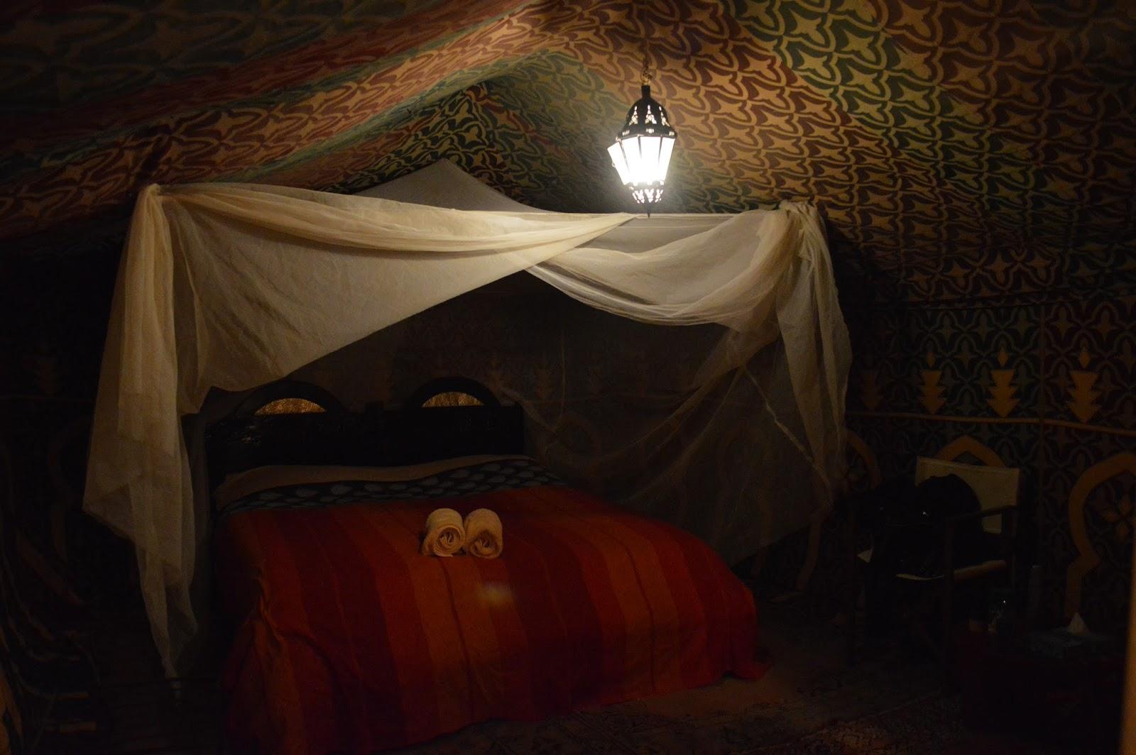Noite em uma tenda no saara - Tenda da tetto oasis ...