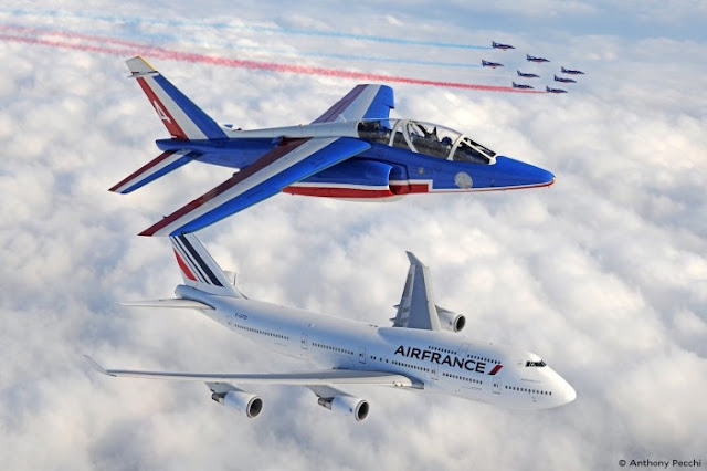 VIDEO - PATROUILLE DE FRANCE SAYS GOODBYE TO AIR FRANCE BOEING 747
