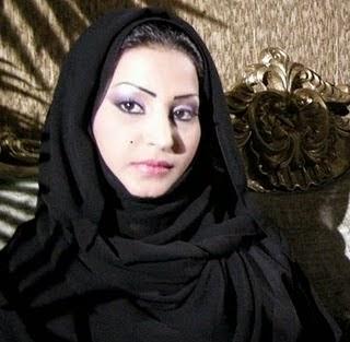 مطلقة من بغداد و ماكو عندي أطفال أبغى أتعارف على رجل من العراق يكون فوق سن 40 سنة مقتدر ماديا لزواج المتعة أو المسيار