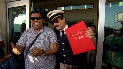 Anderson Freire e Celso Portiolli no aeroporto em São Paulo  Crédito: Divulgação/SBT