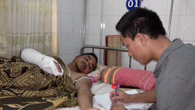 Gia Lai: Công an xã bị chém gãy xương tay trong lúc tuần tra