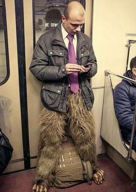 10 fotos que provam como o metrô pode ser um lugar muito estranho