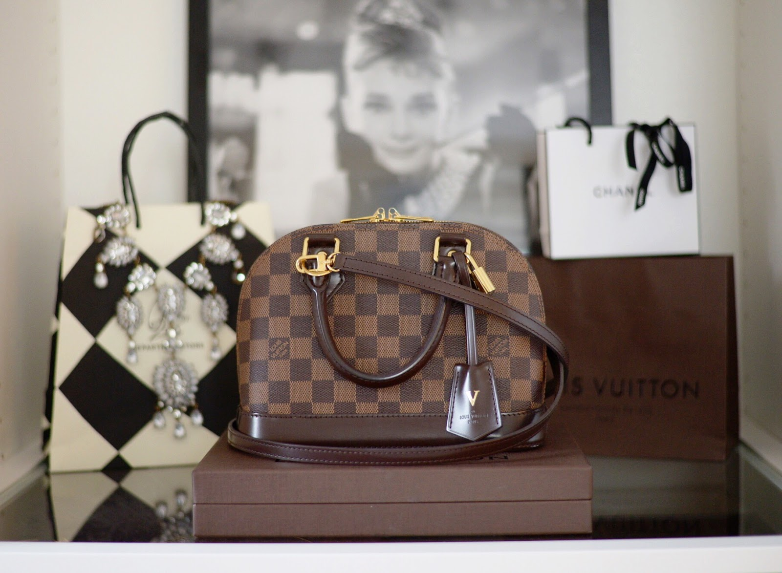 5df8e5deec2a LOUIS VUITTON ALMA BB REVIEW
