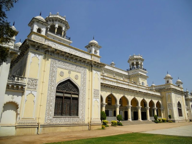 What to do in Hyderabad India: tour Chowmahalla Palace