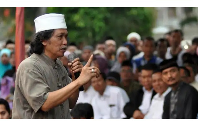 Diadu Domba dengan Abdul Somad, ini Sindiran Cak Nun ke Netizen Nakal