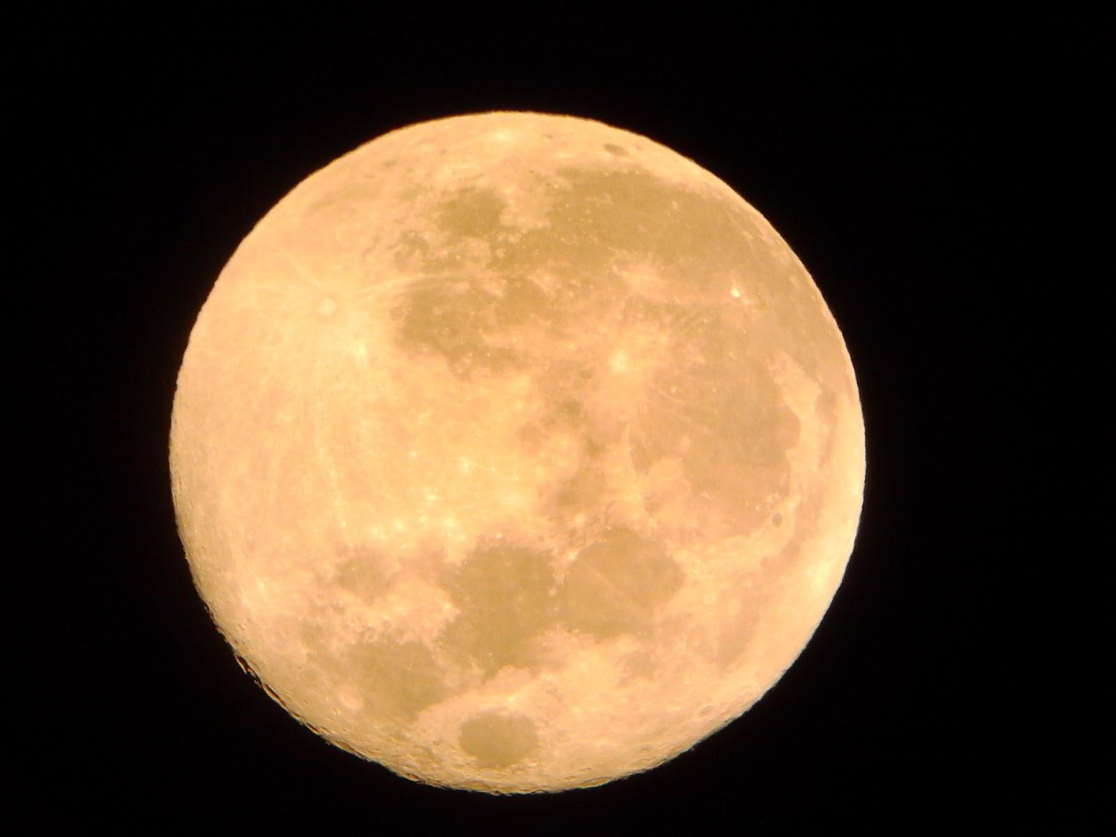 Ayın Dünyamıza Faydası Nedir