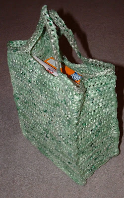 Cool and Creative Ways To Reuse Plastic Bags (45) 19