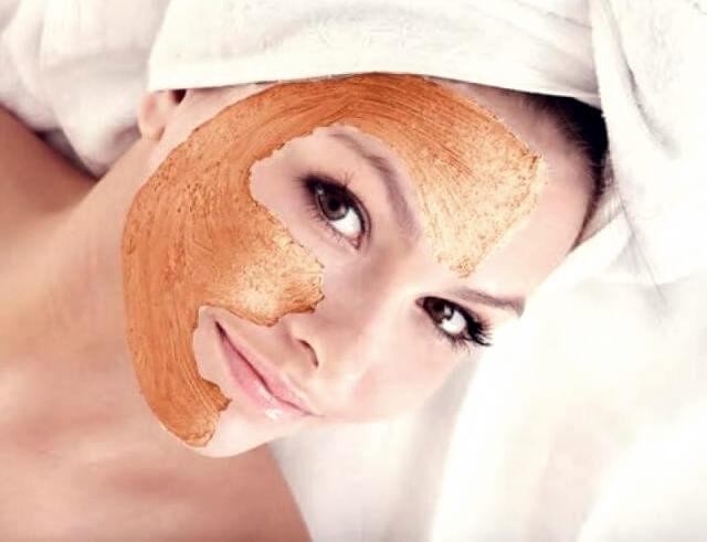 قشر البرتقال مذهل في تبيض وعلاج البشرة.
