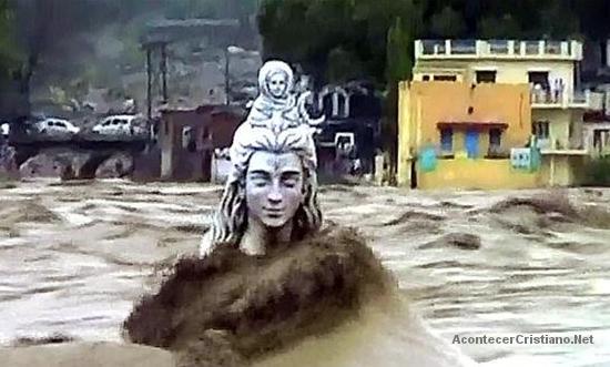 Inundaciones por lluvias torrenciales en India
