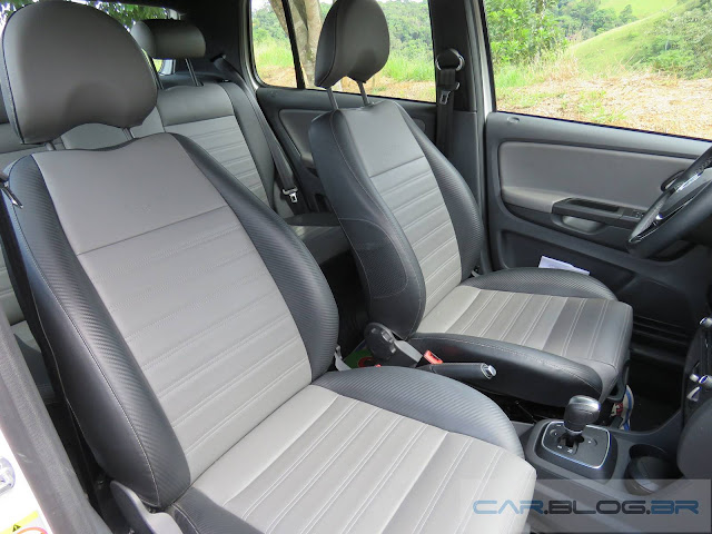 VW CrossFox 2016 I-Motion - interior em couro sintético