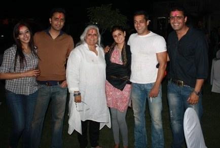 Wallpaper Ida Salman Khan Sisters And Family Wallpapers