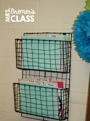 A post about AMAZING Dollar Spot items to use in the classroom! #teachertips #teacherhacks #classroom #classroomsetup #backtoschool #classroomideas