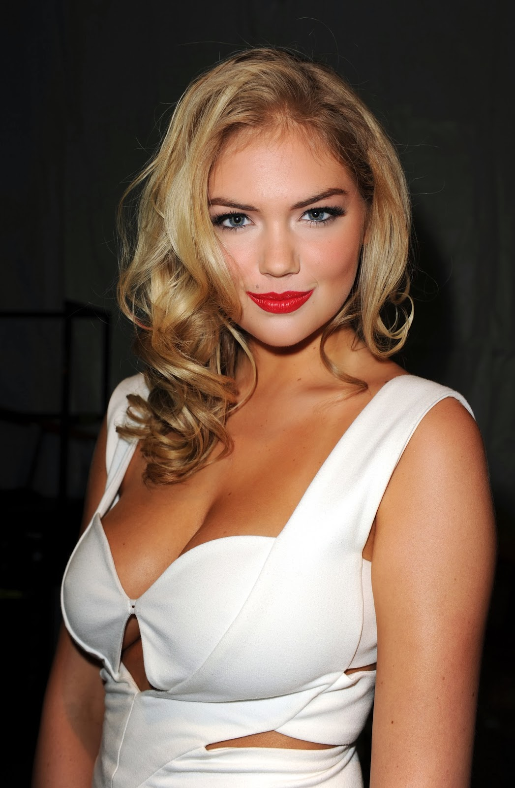 Kate Upton: Celebrity Adore: Kate Upton Showing Some Cleavage From The
