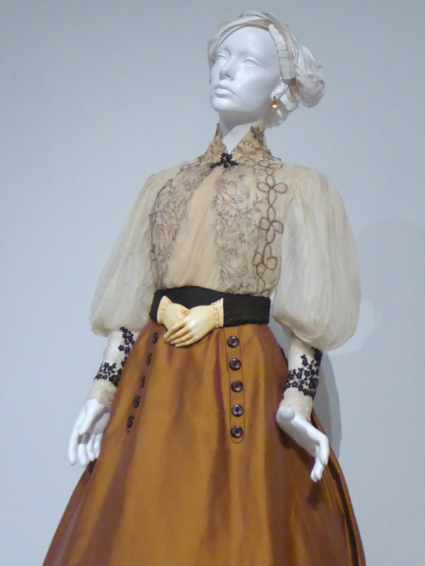 Edith Cushing Crimson Peak movie costume