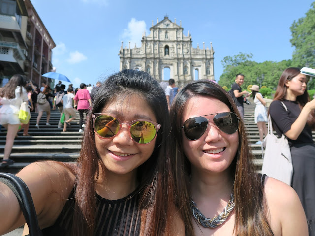 Macau: Ruins of St Paul ; Welfie