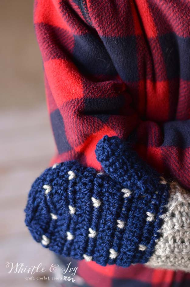 Easy Crochet Projects Mittens With Free Step By Step Tutorials - crochet, crochet tutorials, crochet projects, easy diy projects, crochet for beginners