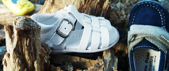3ab7741193d Baby Style schoenen (vaak foutief als Babystyle schoenen geschreven) zijn  er namelijk ook voor peuters. En die willen absoluut niet met baby  aangesproken ...