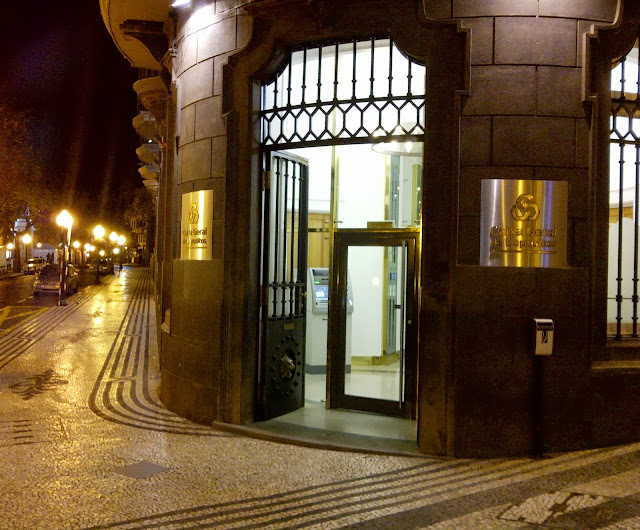 the old Banco Nacional Ultramarino building