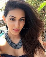 Amyra Dastur Cute Innocnet Beauty pics 006.jpg