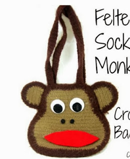 http://translate.google.es/translate?hl=es&sl=en&tl=es&u=http%3A%2F%2Fcraftbits.com%2Fproject%2Ffelted-sock-monkey-bag%2F