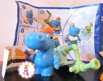 Игрушки из новой коллекции киндеров сюрпризов Семейка бегемотиков