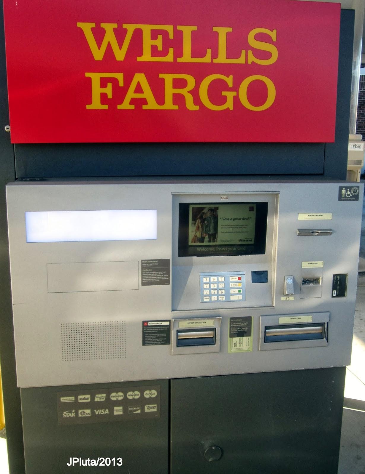 wells fargo bank teller