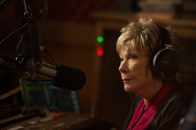 Shirley MacLaine in The Last Word (8)