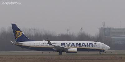 Boeing 737 linii Ryanair o rejestracji EI-DYX