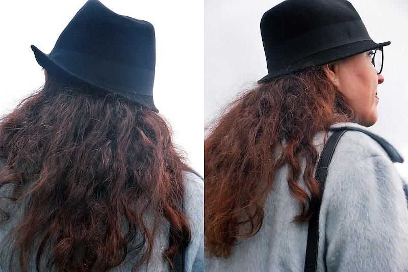 płaszcz M&S, kapelusz Zara, Dr Martens 1490