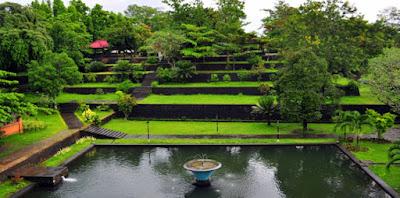 Taman Narmada, Wista Lombok
