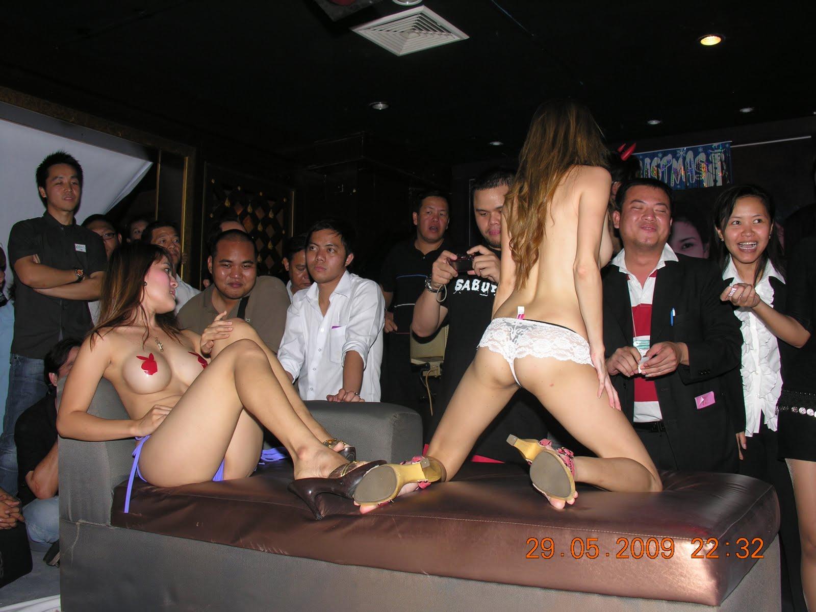 Pattaya 2011 threesome in shower - 2 part 8