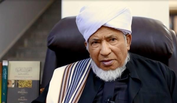 Habib Salim Assyathiri, Hafal 30 Juz Al Qur'an Setelah Minum Susu dari Datuknya