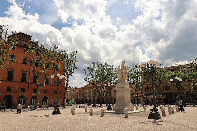 Piazza Napoleone em Lucca