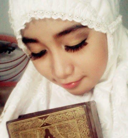 hijab wanita mukenah