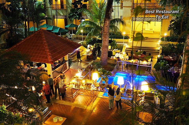 Putrajaya Food Al Fresco BBQ Buffet at Courtyard Palm Garden Resort
