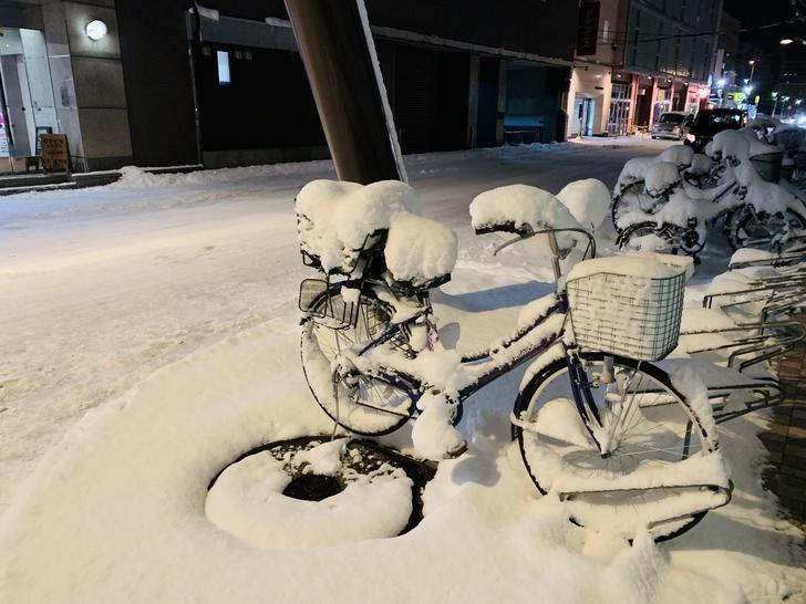 北海道冰封的腳踏車