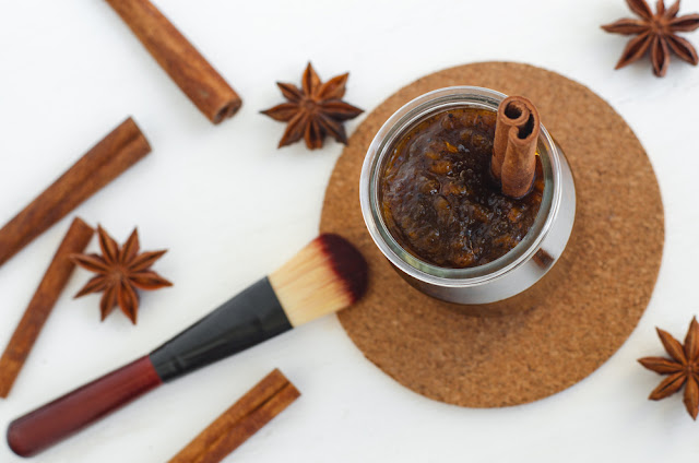 Cinnamon face mask
