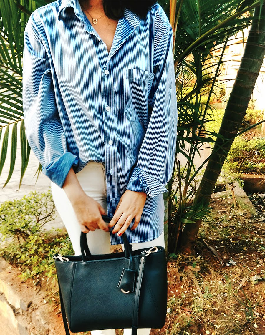 striped shirt Zara,Levi's white denim, Zara black classic bag