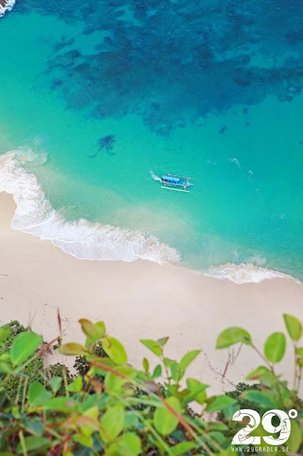 Kelingking cliff - mest fotade platsen på ön Nusa Penida
